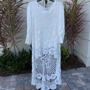 Belle France: Crochet High Low Top -White